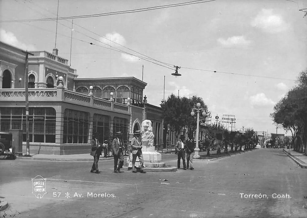 Antigua foto de la avenida Morelos en Torreón