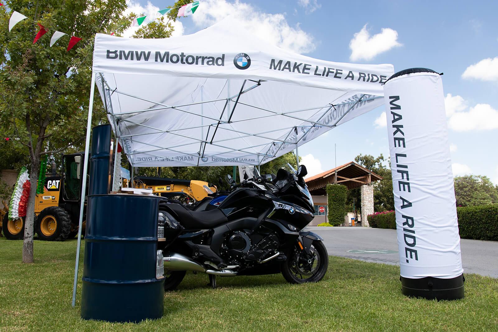 exhibición de motos