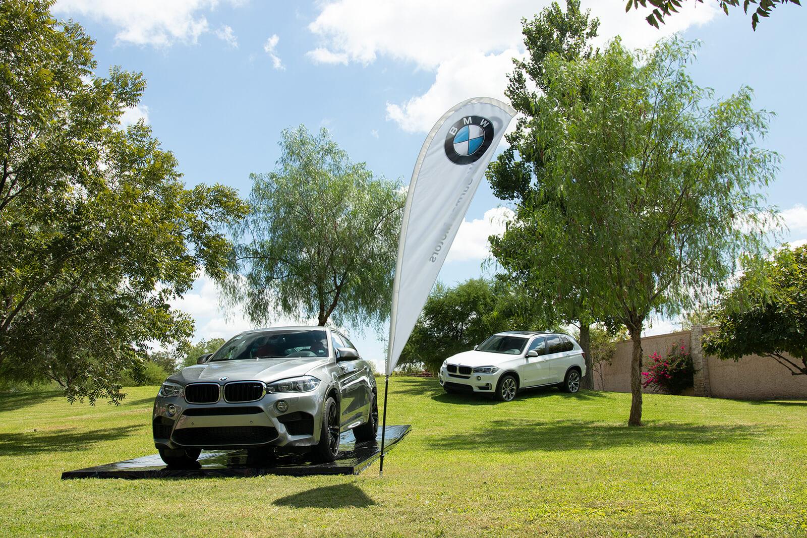 exhibición de carros BMW